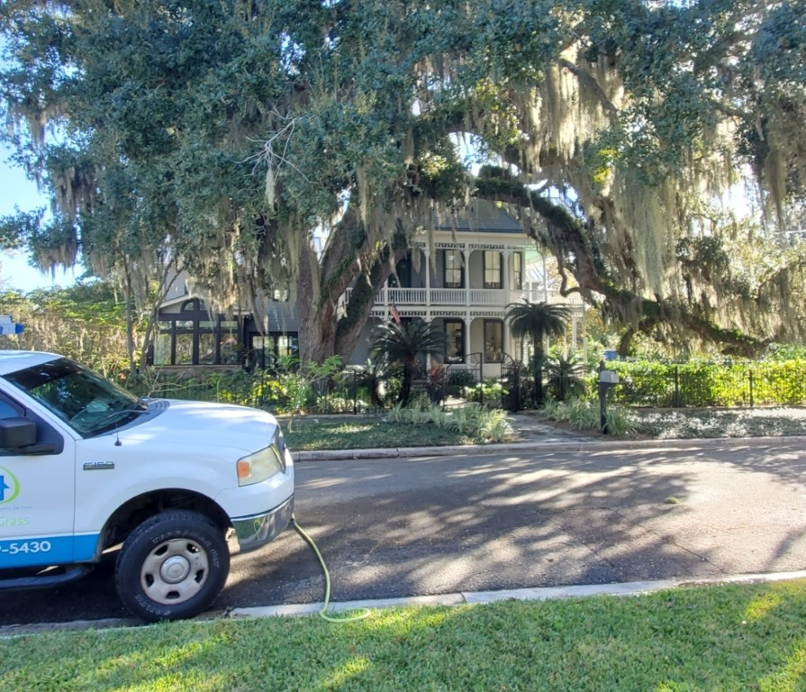 Window cleaning in Historic downtown Fernandina Beach